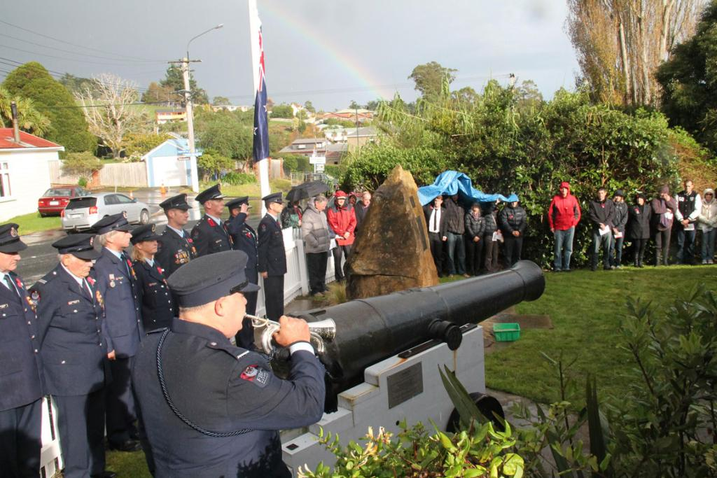 Southern Anzac services 2014