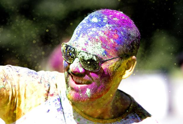 New Plymouth gets a taste of the Holi Festival.