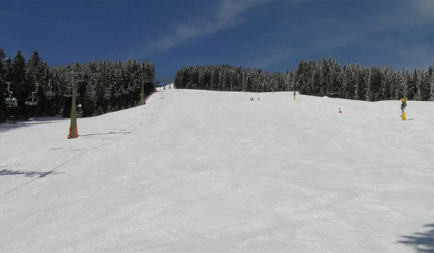 SNOW DAY: The lower slope of the Bernkogel run in the off-peak season.