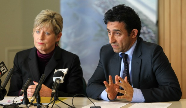 Mayor Lianne Dalziel and finance committee chairman Councillor Raf Manji,