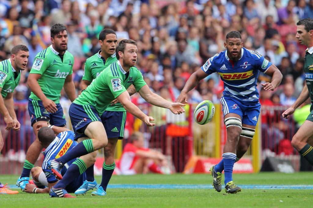 Aaron Smith of the Highlanders in action during the Super Rugby match between the Stormers and Highlanders.