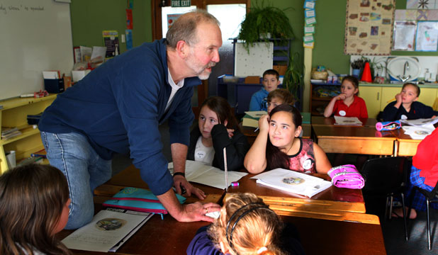 CHALLENGING: Writer David Elliot takes a Young Writers Workshop at New River Primary School.