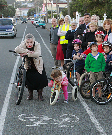 MIFFED: Island Bay residents, including Jane Byrne and Guiliana de Gregorio, 2 1/2, are complaining about the consultation process By the WCC over proposed cycle ways.