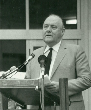 OPENING: Prime Minister Robert Muldoon opens the Herald's new Bank St building on March 31, 1984.