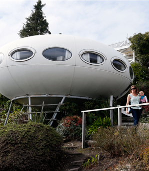 spaceship house