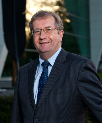 Vice-Chancellor Professor Roy Crawford will retire in December.