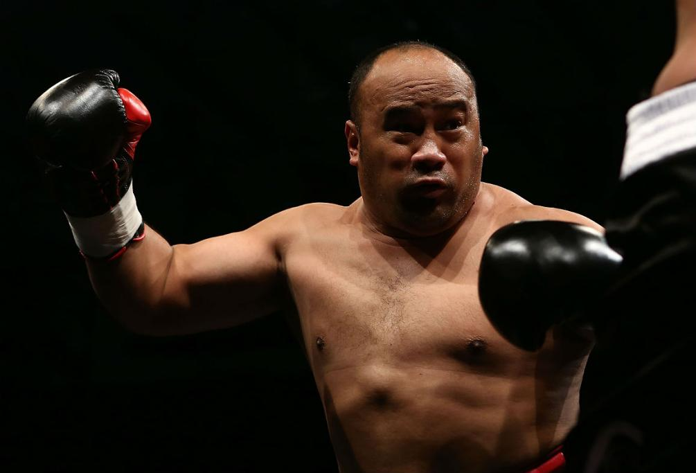 Lawrence Tauasa prepares to throw a punch during his bout with Asher Derbyshire.