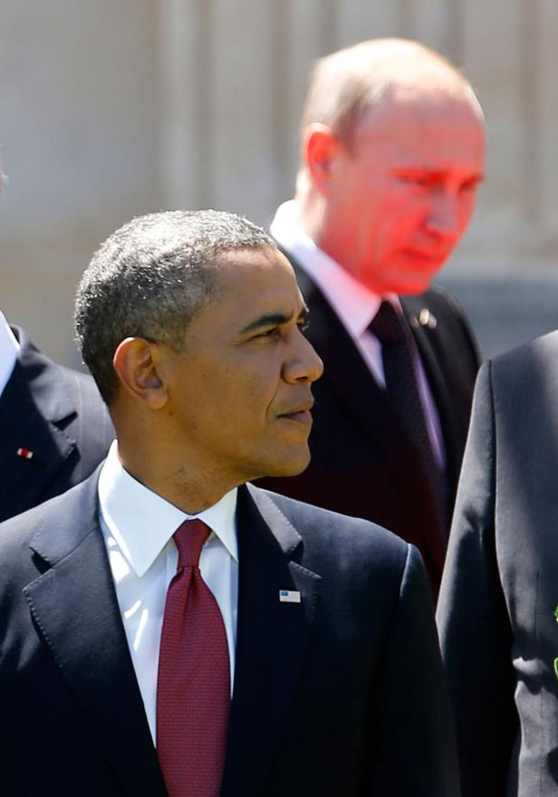 NERVOUS WAIT: US President Barack Obama knew his Russian counterpart was not far away.