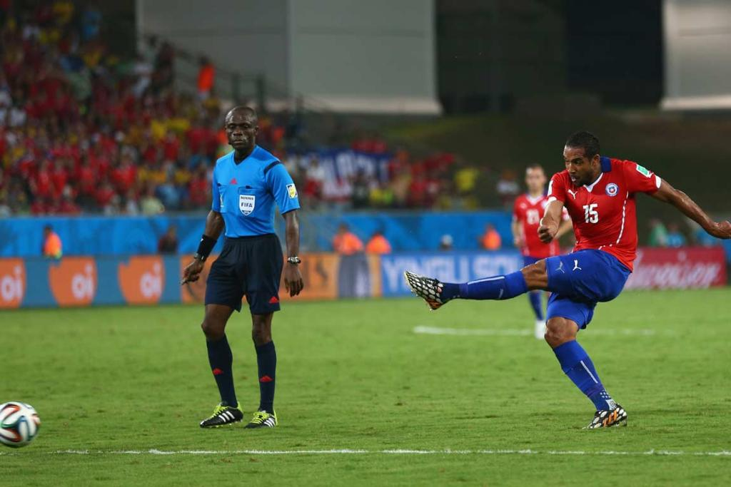 Jean Beausejour strikes Chile's final goal to secure a 3-1 victory over Australia.