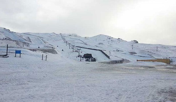 SNOW WHITE: Rain - potentially ruining skiing in Cardrona, New Zealand