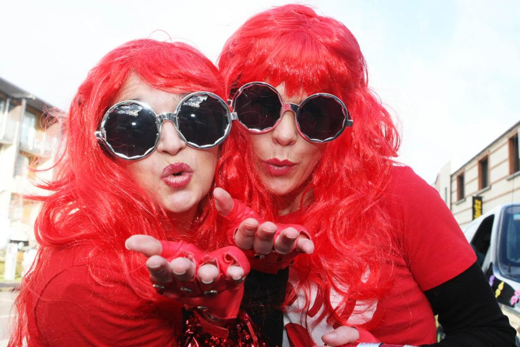 girls in red wigs