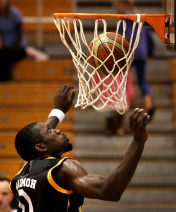 IN TALKS: The Taranaki Mountain Airs are trying to get star import Suleiman Braimoh back for 2015.