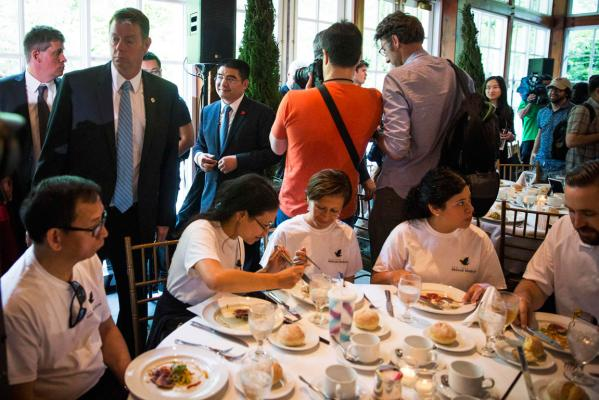 Chen Guangbiao's charity lunch