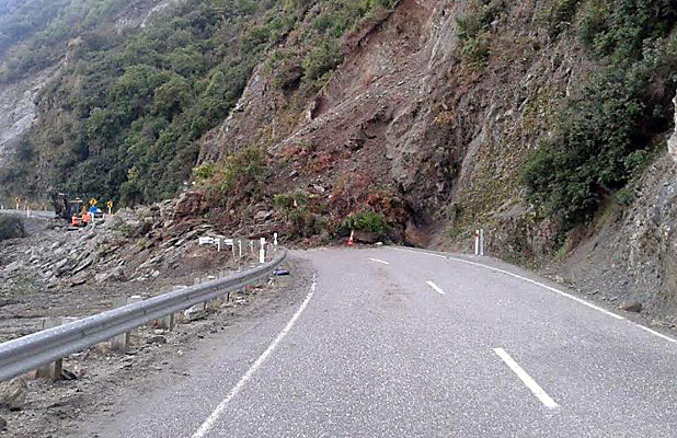 Rockfall on State Highway 6 near Makarora