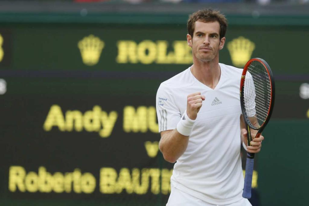 Andy Murray mowed past Spaniard Roberto Bautista Agut in straight sets to reach the last 16.