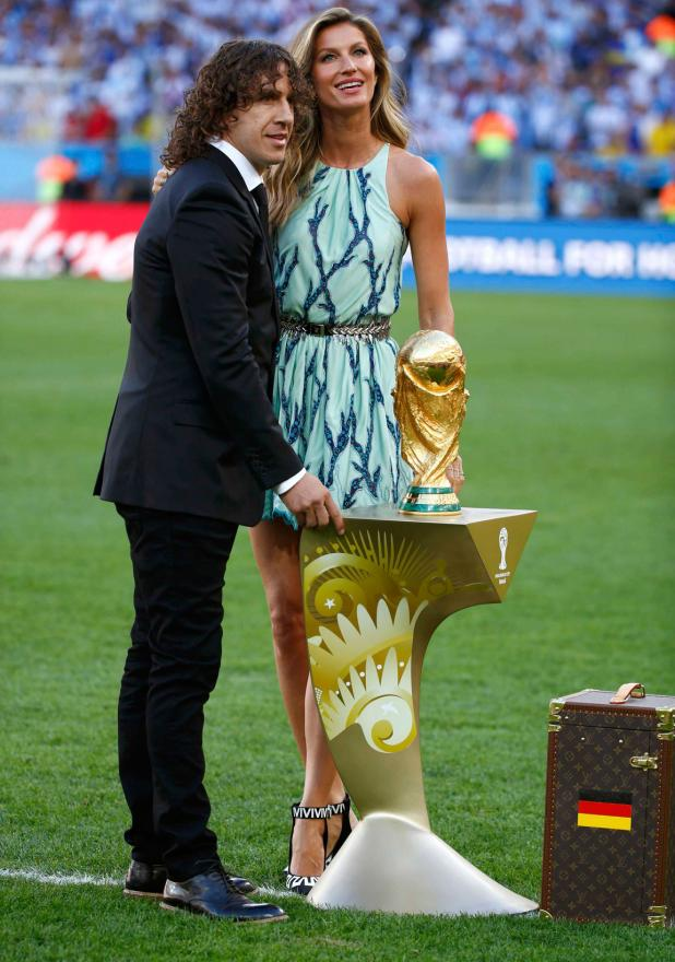 Carles Puyol and Gisele Bundchen