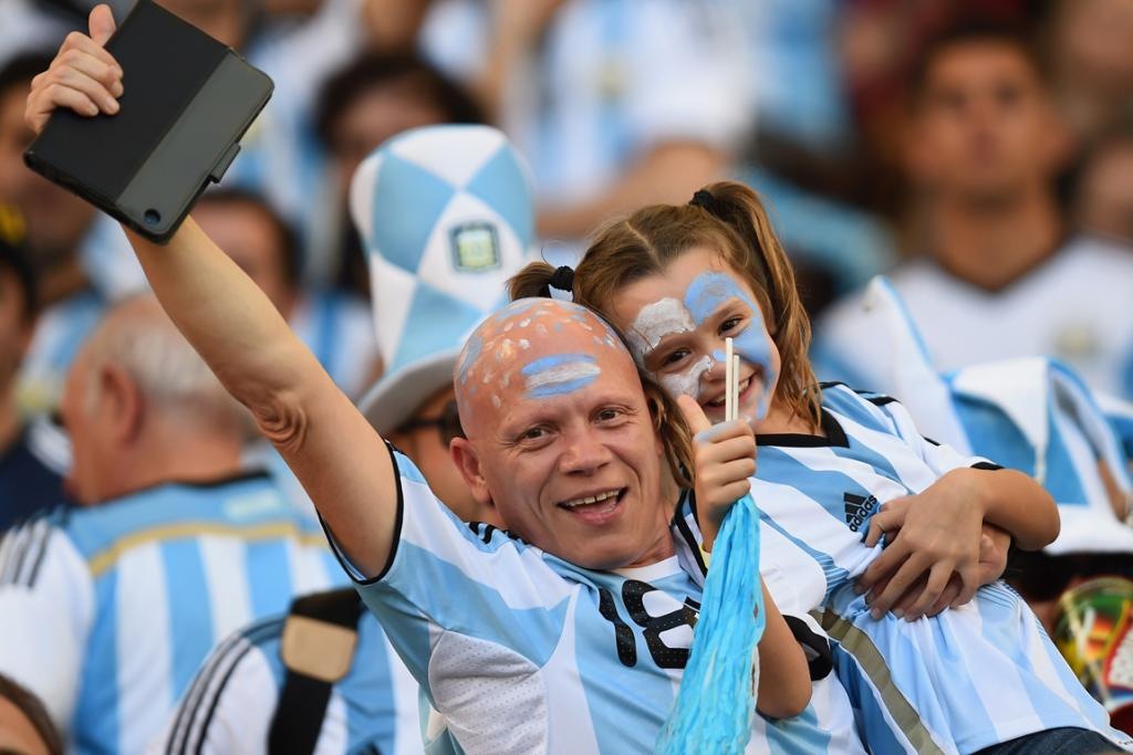 Argentinians of all ages get into the fun.
