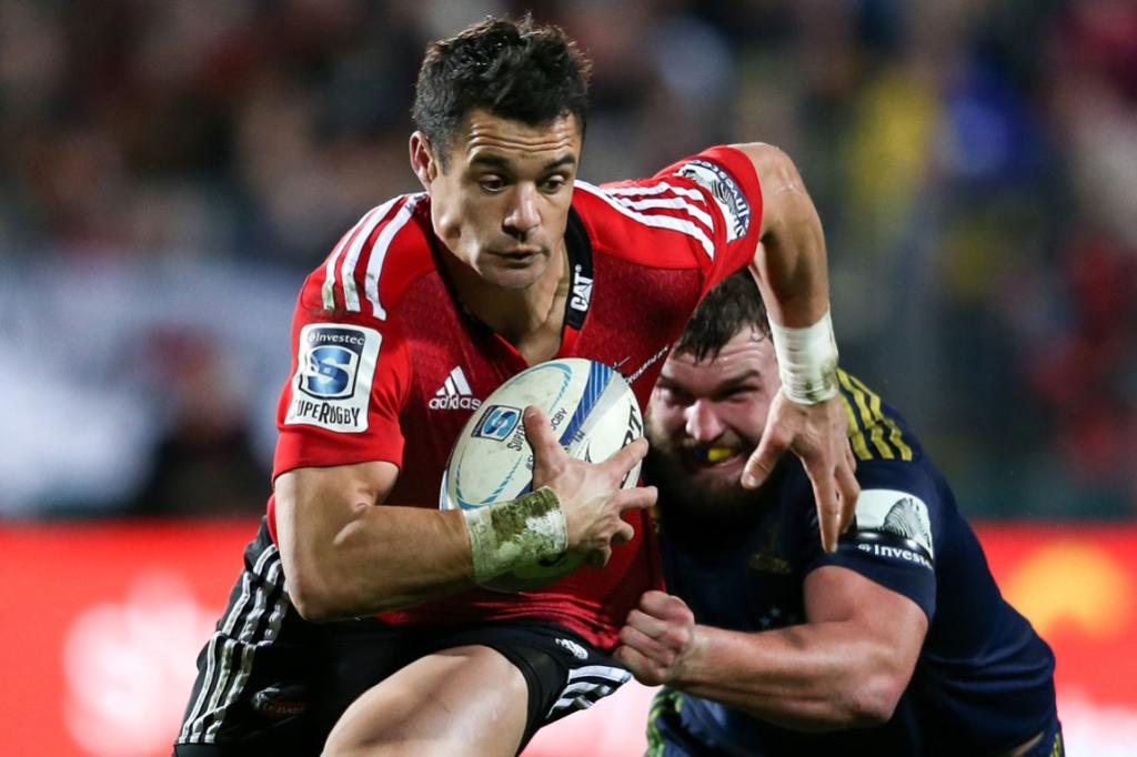 New Zealand's top first five eighth Dan Carter on the break against the Highlanders.