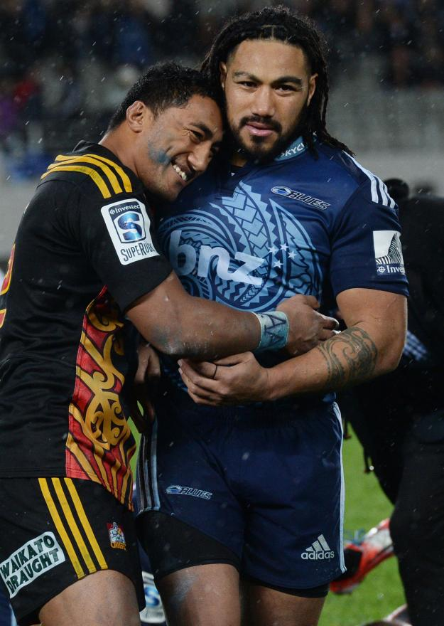 Good sportsmanship was on show after the Chiefs beat the Blues at Eden Park with Bundee Aki sharing a moment with Ma'a Nonu.