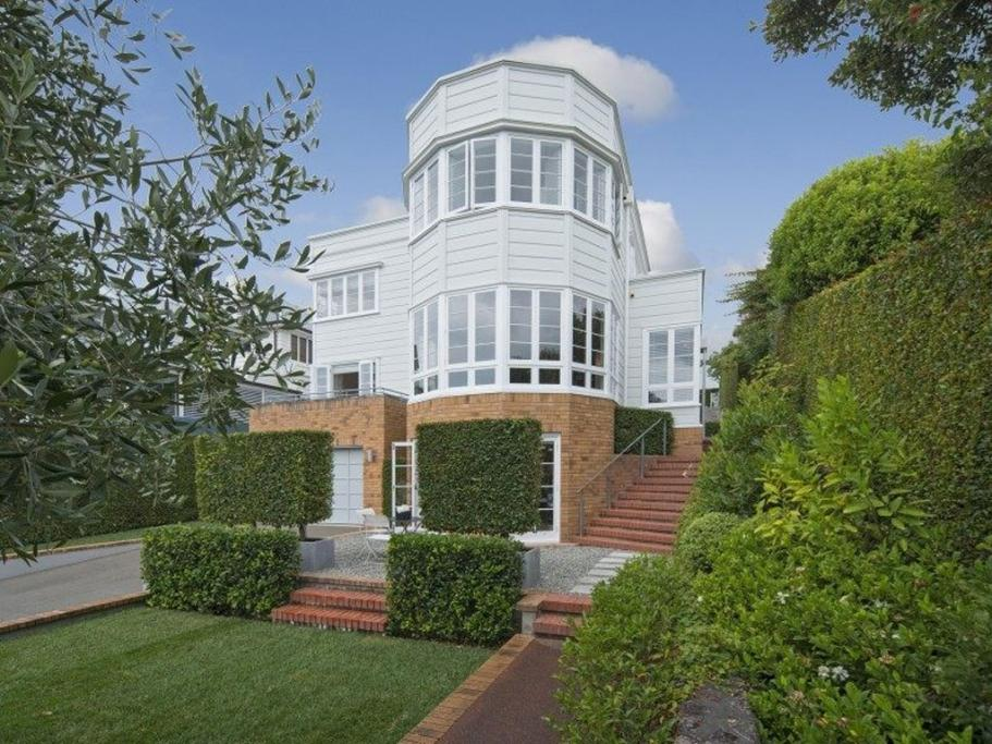 PARNELL, AUCKLAND: With an original 1936 exterior, this four bedroomer has everything you could ever want.