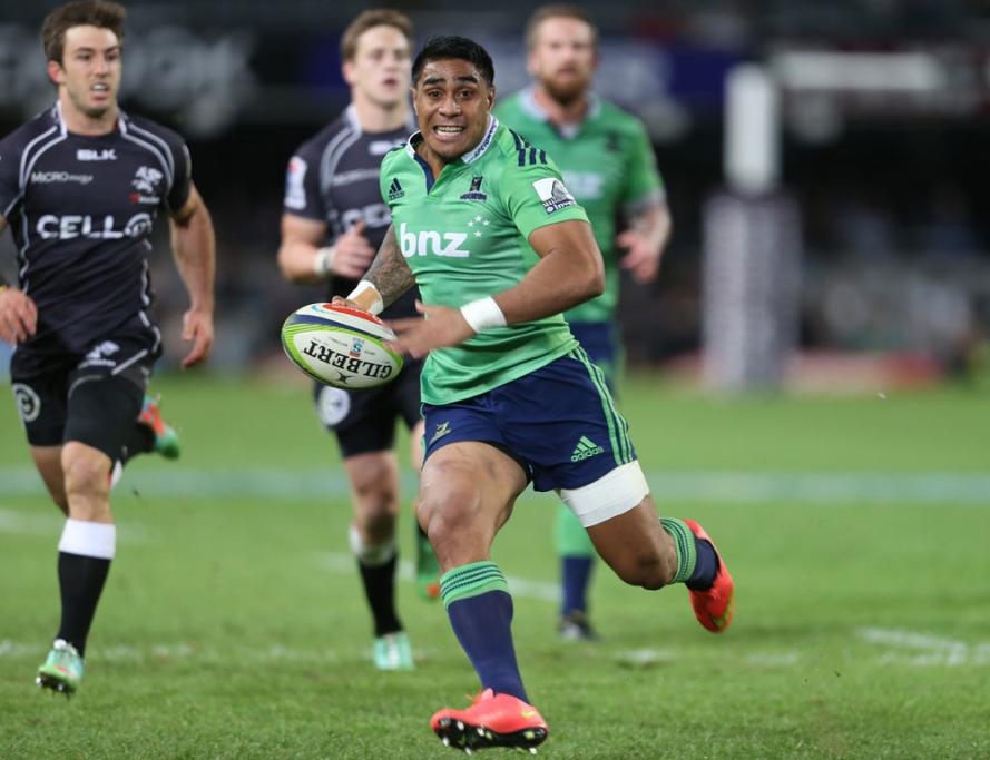 Malakai Fekitoa's first-half try got the Highlanders back in the match after trailing 13-3 early.
