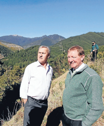 DAM SITE:  Nelson MP Nick Smith, left, and former Government minister (now Speaker of the House) David Carter discuss the proposed Lee Dam near its proposed location in the Lee Valley in 2011.