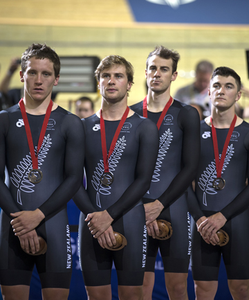 men's pursuit team
