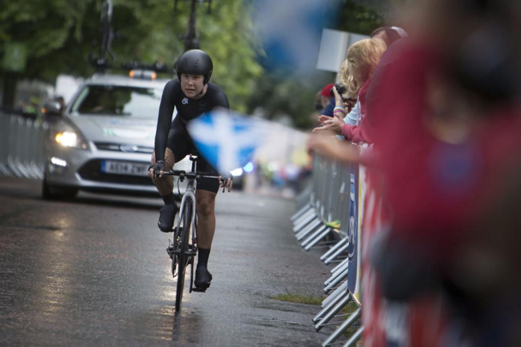 New Zealand's Linda Villumsen in action during her gold medal ride in the women's time trial.