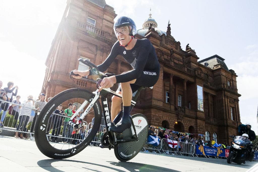 Jesse Sergent powers his way around the men's time trial course in Glasgow.