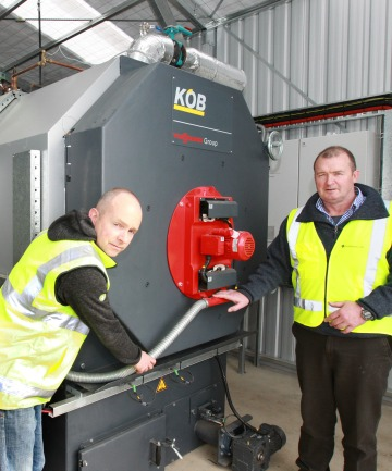 Spark Energy managing director Eduard Ebbinge, left, and Slinkskins Ltd managing director Jonny Hazlett
