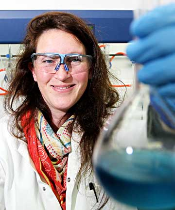 Analytical chemist Jo Wollen at work in a Zelam laboratory.