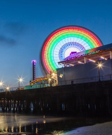 SOLAR SUNSET: The ferris wheel on Santa Monica Pier is the only one in the world powered by the sun.