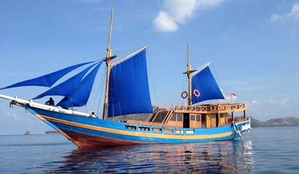 A phinisi boat similar to the one believed to have sunk between Lombok and Komodo Island.