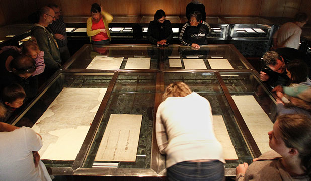 Treaty of Waitangi display at National Archives