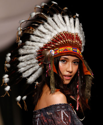 Native American headdresses at Trelise Cooper NZFW show