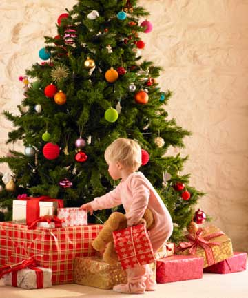 tree temptations so many shiny pretty things for little hands to grab - Child Proof Christmas Tree Decorations