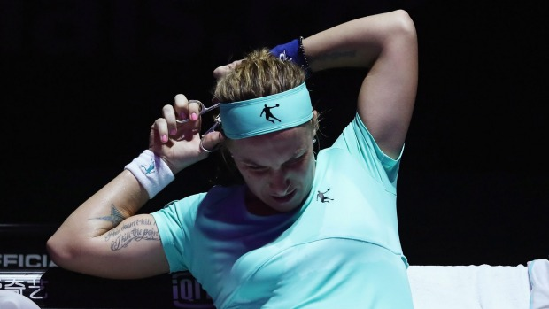 Kuznetsova chops locks to beat Radwanska — WTA Finals