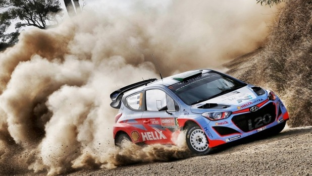 Mikkelsen clings to Australia lead