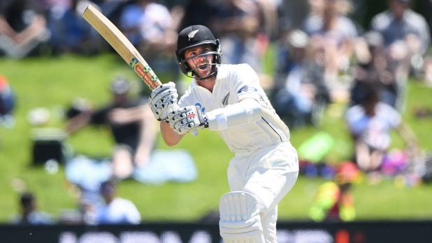 Seam attack drags Pakistan back into 1st NZ test
