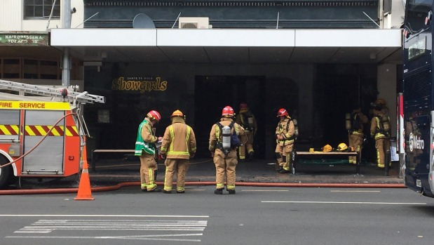 fire breaks out at auckland strip club video