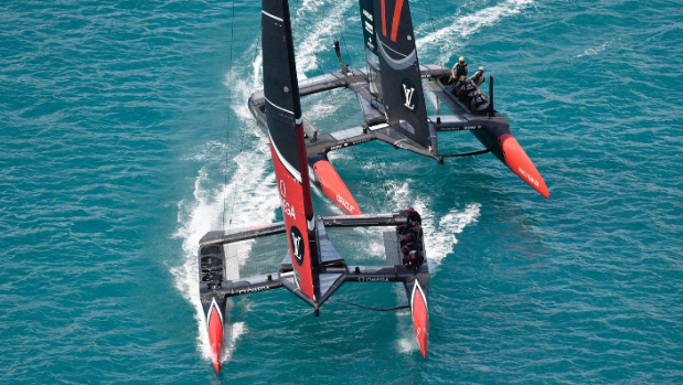 America's Cup sailors have social media #battleofbermuda