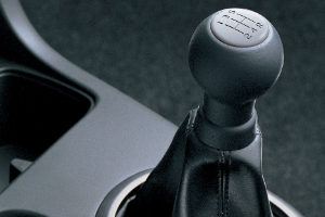 can i drive manual with automatic licence nsw