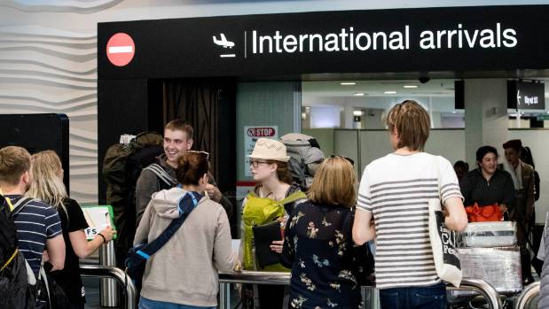 More Kiwis leaving, but immigration hits new high
