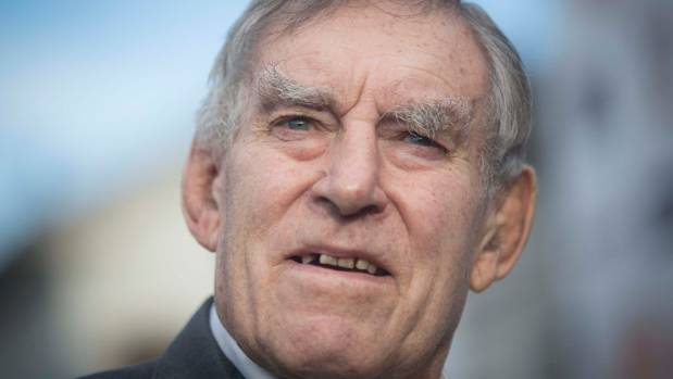 New Zealand mourns death of great Colin Meads