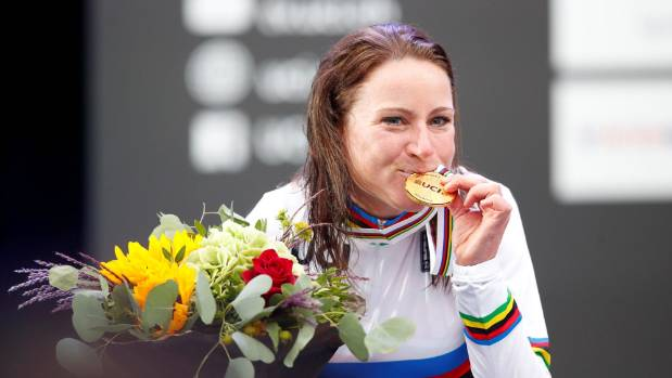 Annemiek van Vleuten wins elite women's time trial as Dutch dominate