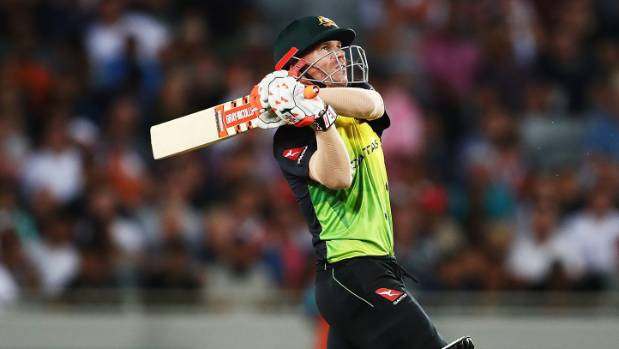 Australia boss Kiwis in T20 tri-series final