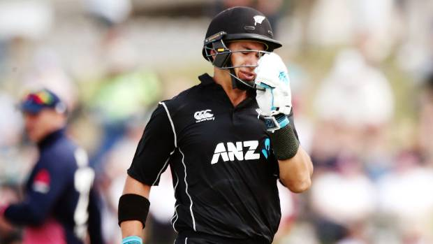 New Zealand all out for 223 in second England ODI