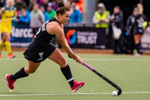 Australia hammer Black Sticks
