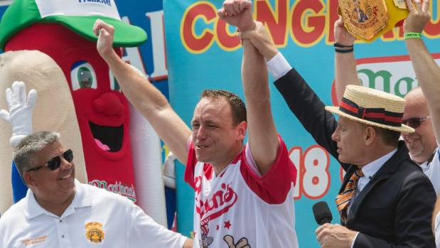 Judging errors cast confusion at hot dog contest