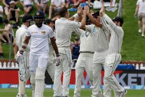 Swinging Southee strikes early